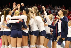 Third-Set Comeback Helps Arizona Remain Undefeated