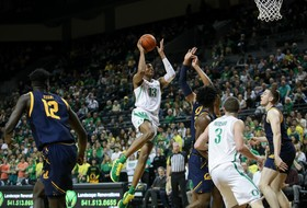 Ducks Clinch Pac-12 Bye in 90-56 Rout of Cal