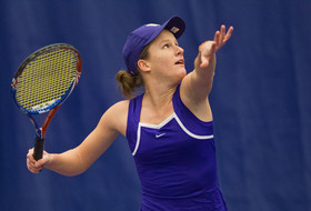 No. 44 UW Women's Tennis Falls to No. 4 UCLA, 6-1