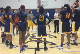 Women's Basketball Holds First Practice Tuesday