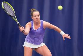 Huskies Earn Four Wins During Final Day of St. Mary's Invite