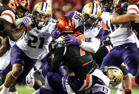 No. 6 UW Secures 42-7 Victory At Oregon State