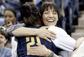Women's Basketball To Engage Fans At Cal-Arizona Game
