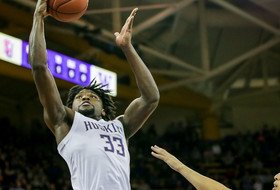 Stewart leads No. 20 Washington past Mount St. Mary's 56-46