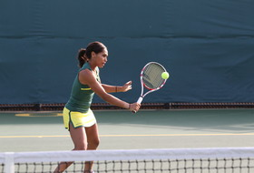Ducks Can't Hold Off Blue Demons, Fall 4-3