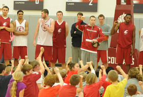 Men's Basketball to Hold Free Kids' Clinic