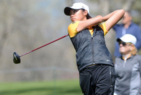 Women Golfers Finish Third at Peg Barnard Invite