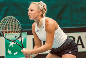 Ivanov, New Zealand Advance In Fed Cup
