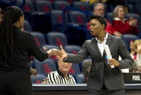 Women's Hoops to Host 2015 Niya Butts Basketball Academy