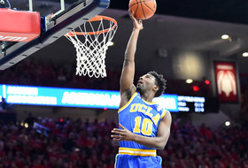 UCLA Edged by No. 17 Arizona, 81-75