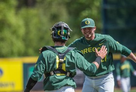 Stringer, Yovan pitch Ducks to series win