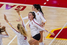 No. 20 USC Battles for Five-Set Win Over Yale