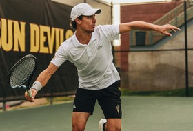 Men's Tennis Sweeps Michigan State 7-0