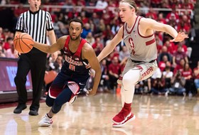 No. 14 Arizona Rallies for 73-71 Win at Stanford