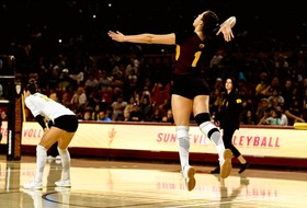 Middles Play Strong In @SunDevilVB's Five-Set Loss To No. 20 Cal