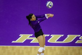Huskies Win Fifth-Straight, Stopping Wildcats