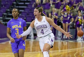 Melgoza, Washington upset No. 8 UCLA 74-68