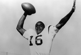 Pro Football Hall Of Famer Willie Wood, 1959 USC Football Captain Who Played In First 2 Super Bowls, Dies