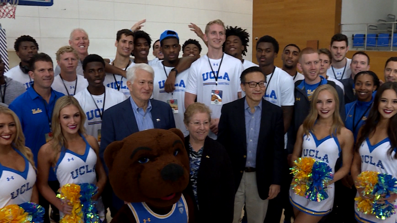 2017 Pac-12 China Game: UCLA men's basketball tours Alibaba Group campus in  Hangzhou   Pac-12