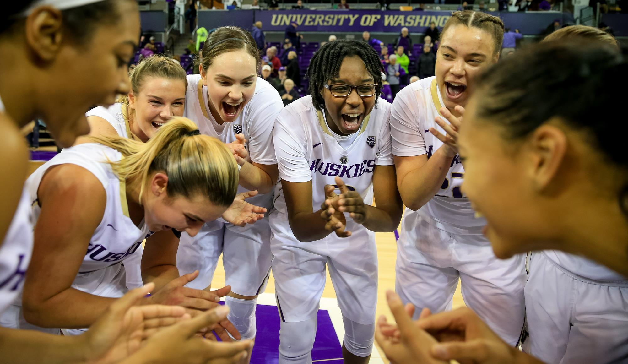 cup double winning womens basketball - HD2000×1159